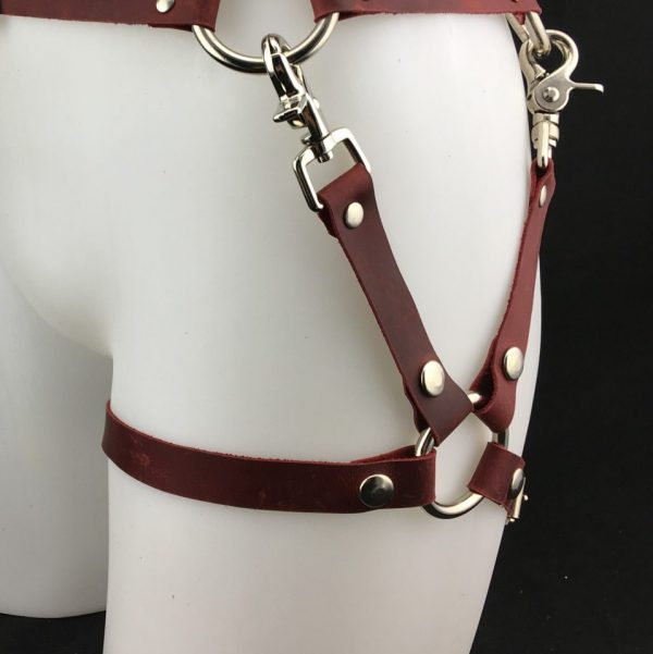 Leg harness in Cherry Red