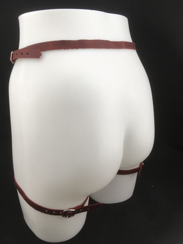 Simple Red Leather Garter