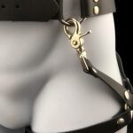 Men leather belt_leg harness_black_close up